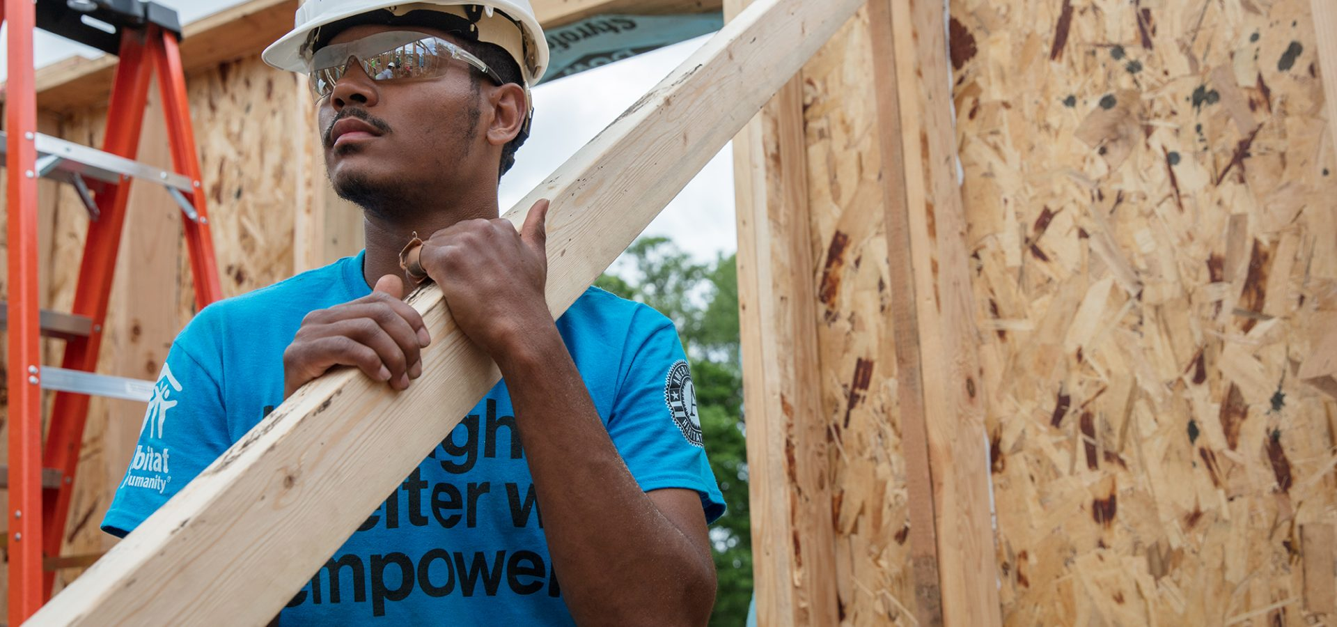 DES MOINES, IOWA, USA (05/16/17)- Teryon Smith, an AmeriCorps member, during Habitat for Humanity's AmeriCorps Build-a-Thon in Des Moines, Iowa. ©Habitat for Humanity International/Jason Asteros